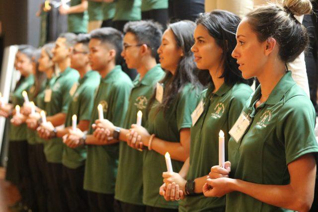 new nursing students recite the nightingale pledge