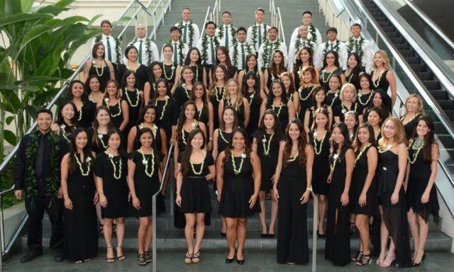 fall 2015 graduates pose for photo