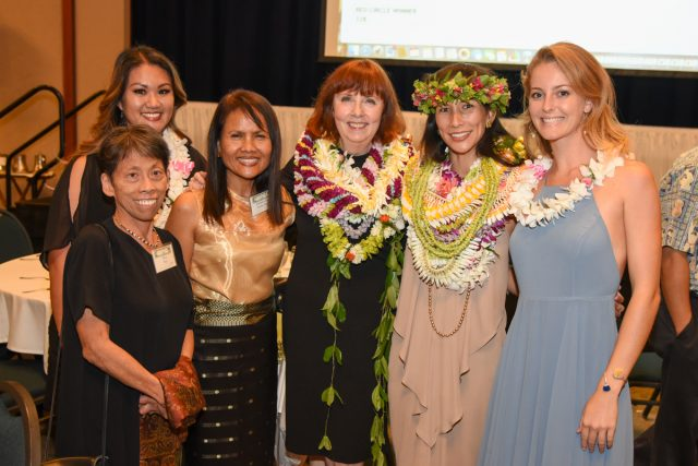 UH Manoa nursing students and administrators