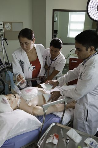students participate in University of Hawaii Translational Health Science Simulation Center