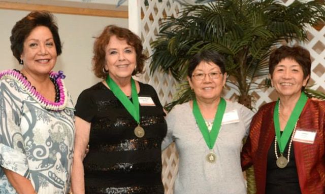 Sally Ishikawa poses for group photo